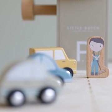 Garaż wielopoziomowy Little...
