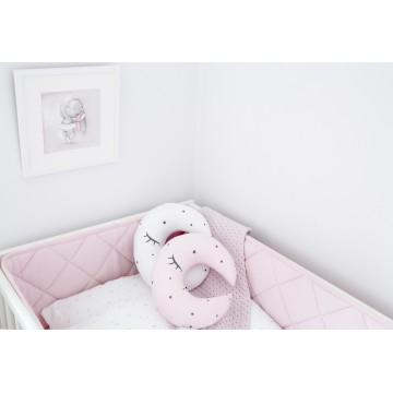 Różowy pikowany ochraniacz...