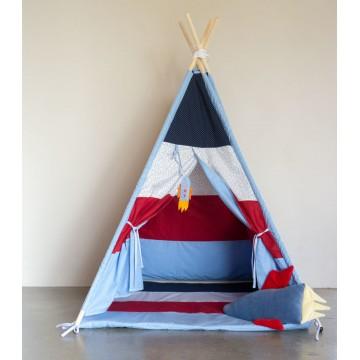 Granatowo-czerwony namiot...